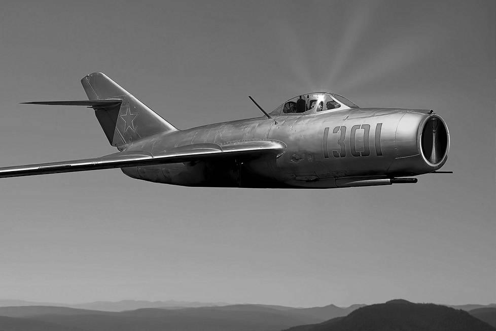 MiG-15 oli Kylmän sodan ja erityisesti Korean sodan ikoninen suihkuhävittäjä. Niitä oli myös Porkkalassa.