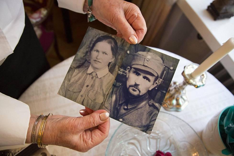 Sara Korolaisen kotona Helsingissä on paljon muistoja hänen vanhemmistaan.