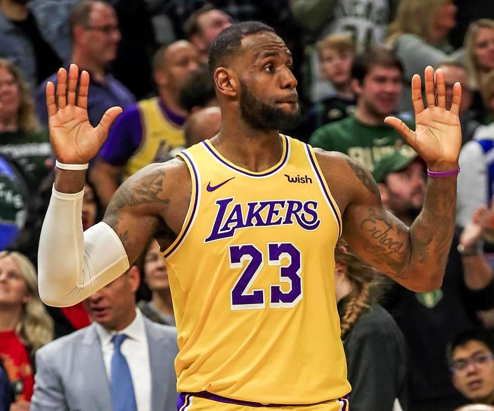 LeBron James on yksi tunnetuimmista koripalloilijoista.