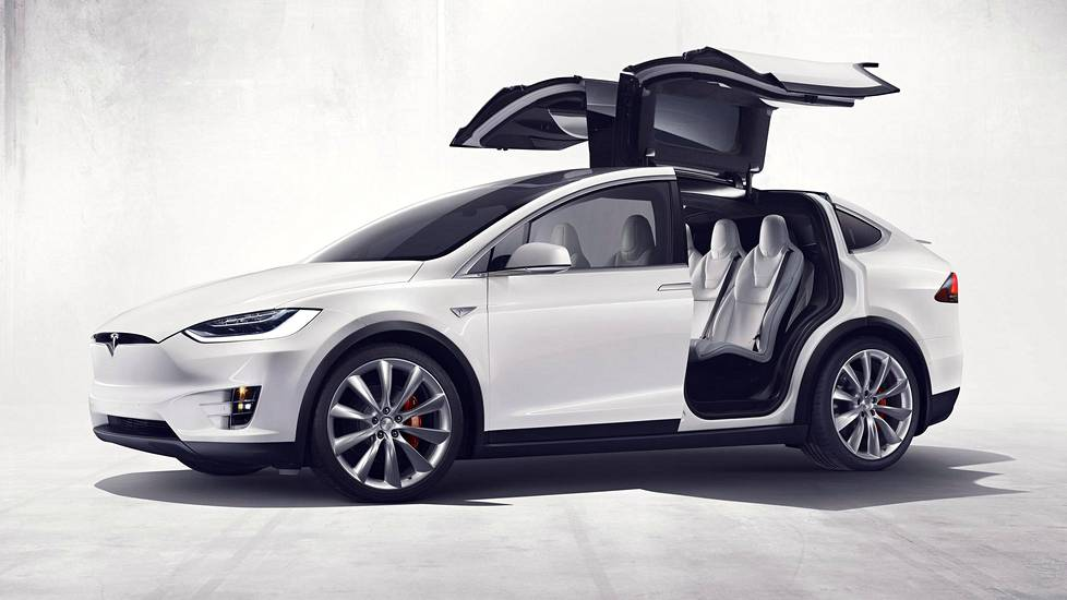 Tesla Model X on merkin katumaasturi.