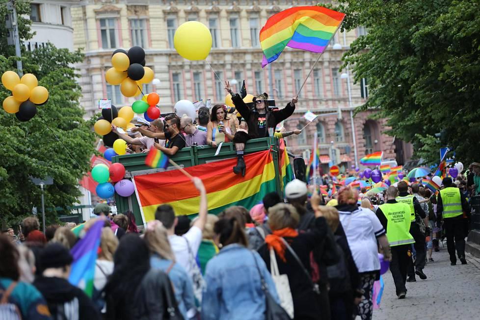 Pride-kulkue keräsi ennätysyleisön.