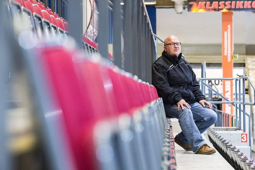 Jukka Holtari hankki pelaajia Espoosta.