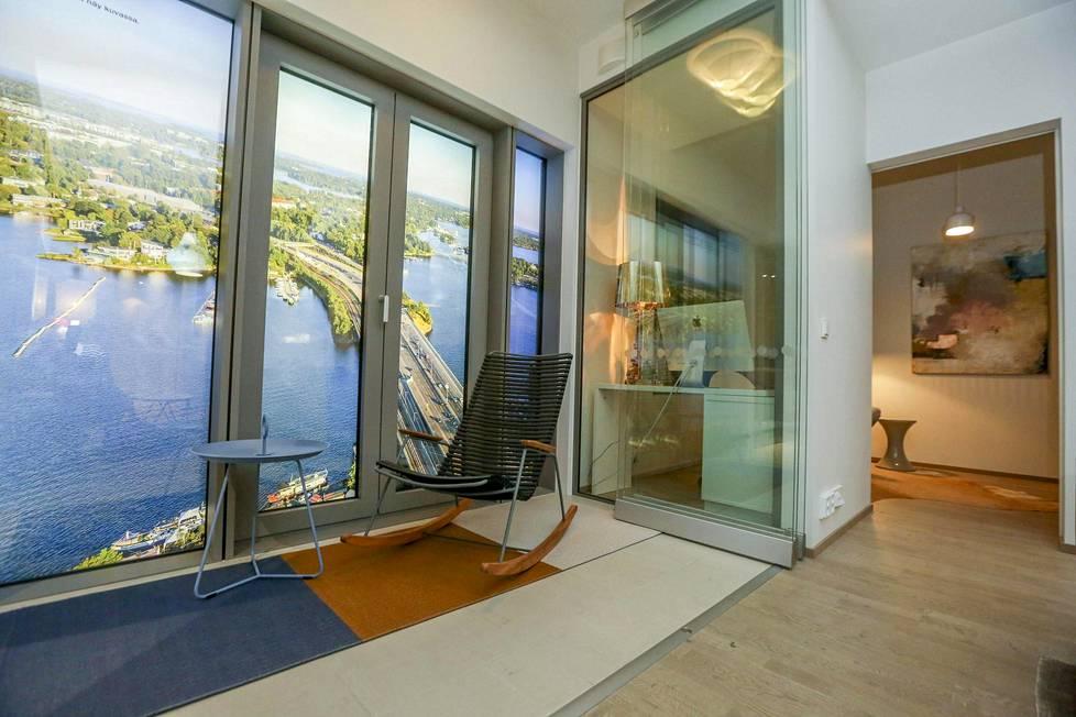 Suvilahteen on rakennettu simulaattori Majakkaan tulevasta asunnosta viherparvekenäkymineen. Huoneistokoot vaihtelevat 33 neliön kaksioista ylimmän kerroksen 142,5 neliön edustusasuntoihin.