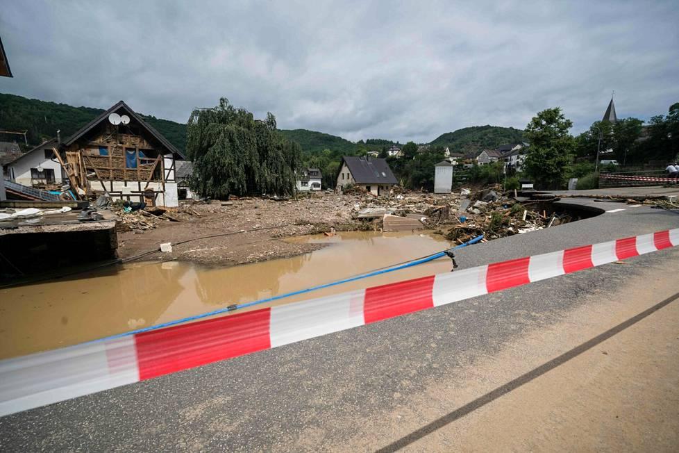 Tulvat ovat aiheuttaneet tähän mennessä jo kymmenien ihmisten kuoleman läntisen Saksan alueella.