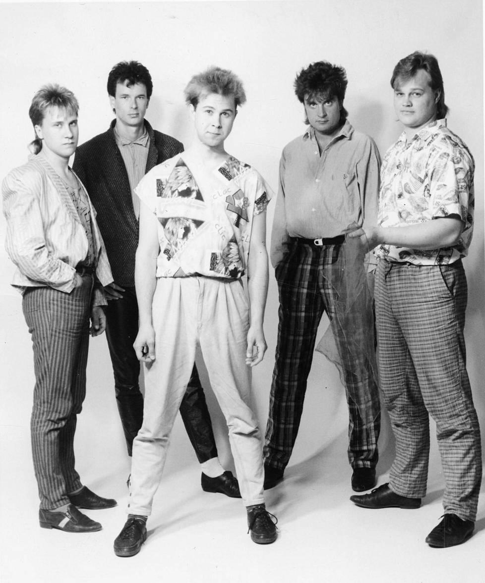 SIG vuonna 1987: Rauno Linja-aho (vas.), Ari Hemmilä, Matti Inkinen, Juha Oksanen ja Jukka Merisaari.