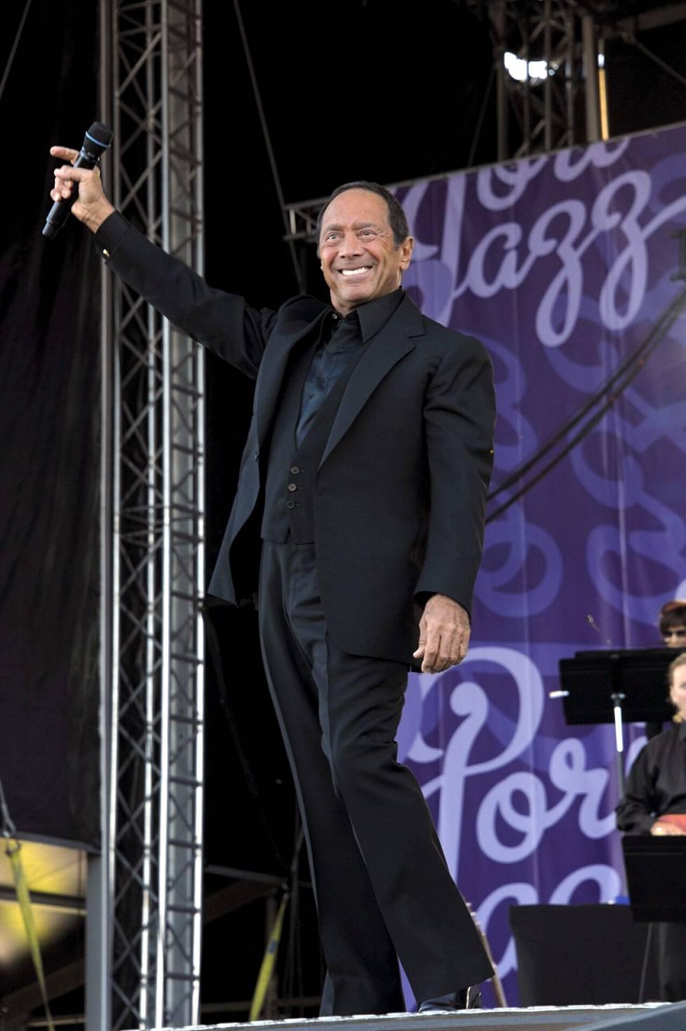 Pori Jazzeilla esiinyminen nostatti leveän hymyn laulajan kasvoille vuonna 2012.