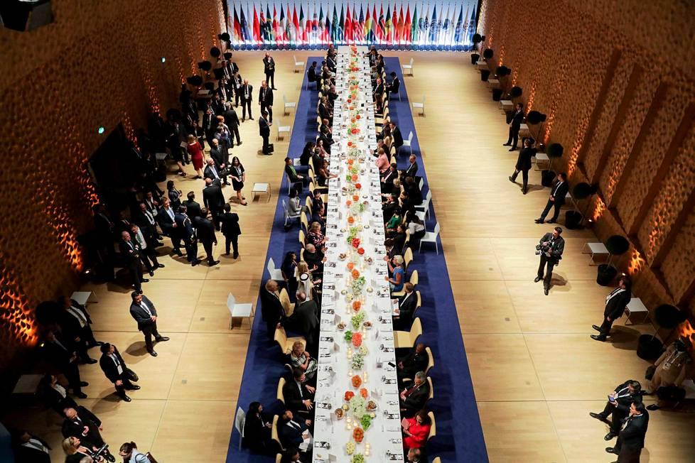 Myös virallisen illallisen näyttämönä toimi Elbphilharmonie-konserttisali.