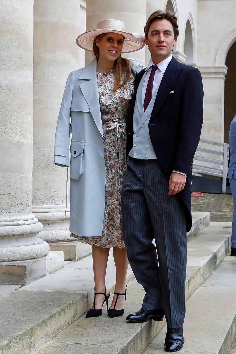Prinsessa Beatrice ja hänen kihlattunsa Edoardo Mapelli Mozzi.