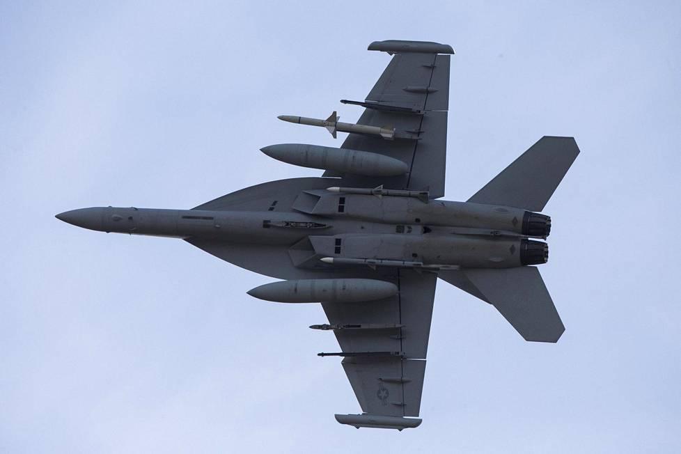 Boeing toi Tikkakoskelle F/A-18 Super Hornetista elektroniseen sodankäyntiin muokatun EA-18G Growler -version.