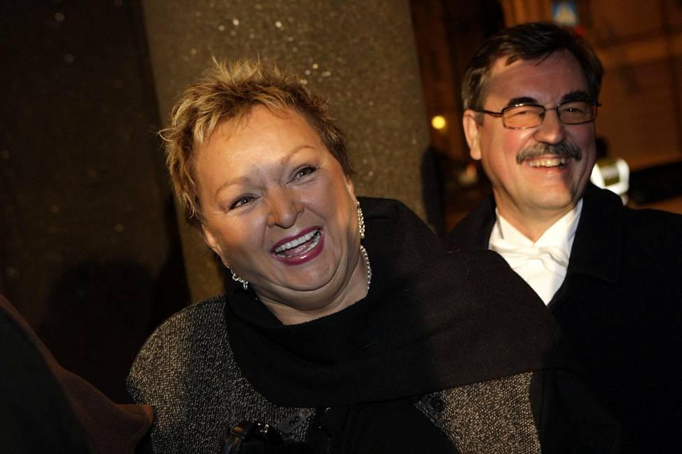 Raija ja Jyrki Oranen saapumassa Linnan juhliin 2007.