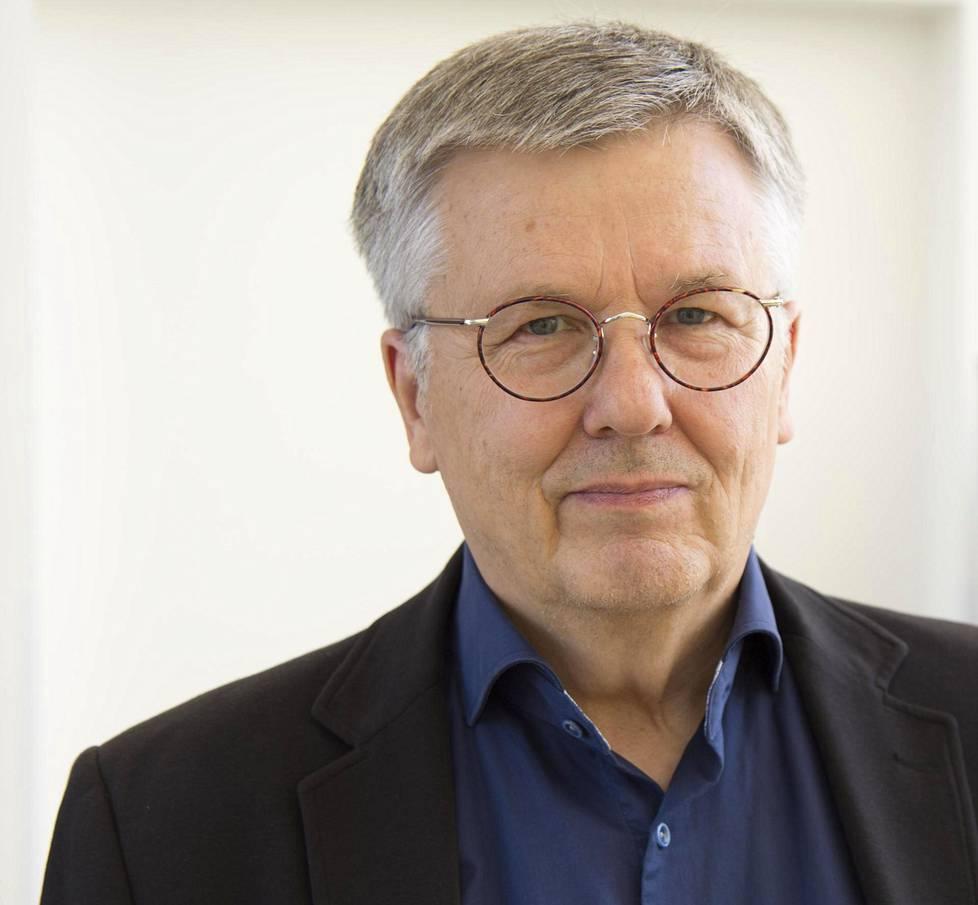 Ari Salminen on tutkinut suomalaista korruptiota.