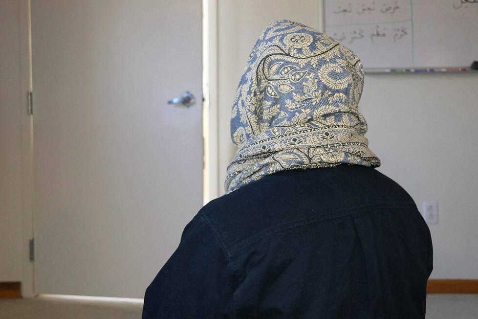Ali johtaa nykyisin moskeijaa synnyinmaassaan Yhdysvalloissa.