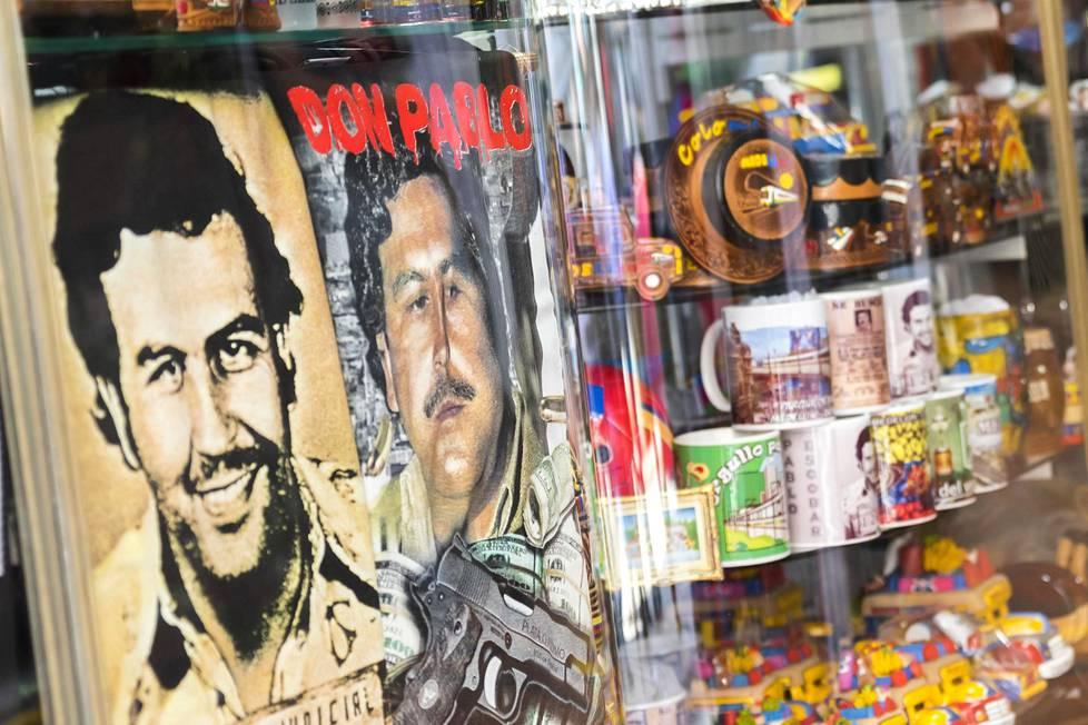 Pablo Escobarin kasvoilla ja nimellä myydään kaikkea mahdollista.