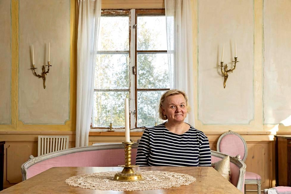 Sofia Maleike-Ruohola työskentelee Turussa mutta asuu Salon Perttelissä.