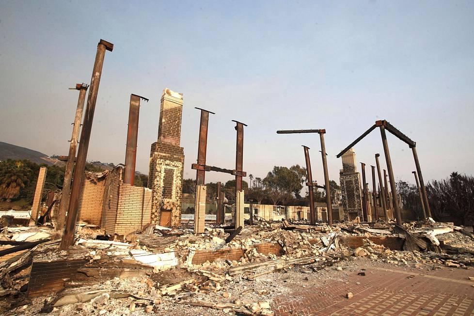 Woolsey Fire tuhosi kartanon Malibussa.