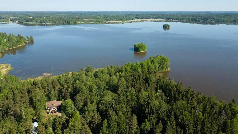 Husulanmäki tarjoaa yhteisöllisyyttä, luonnonläheisyyttä ja mahdollisuuksia kiertotalouden edistämiseen. Lapinjärvi on alle tunnin matkan päässä Helsingistä.