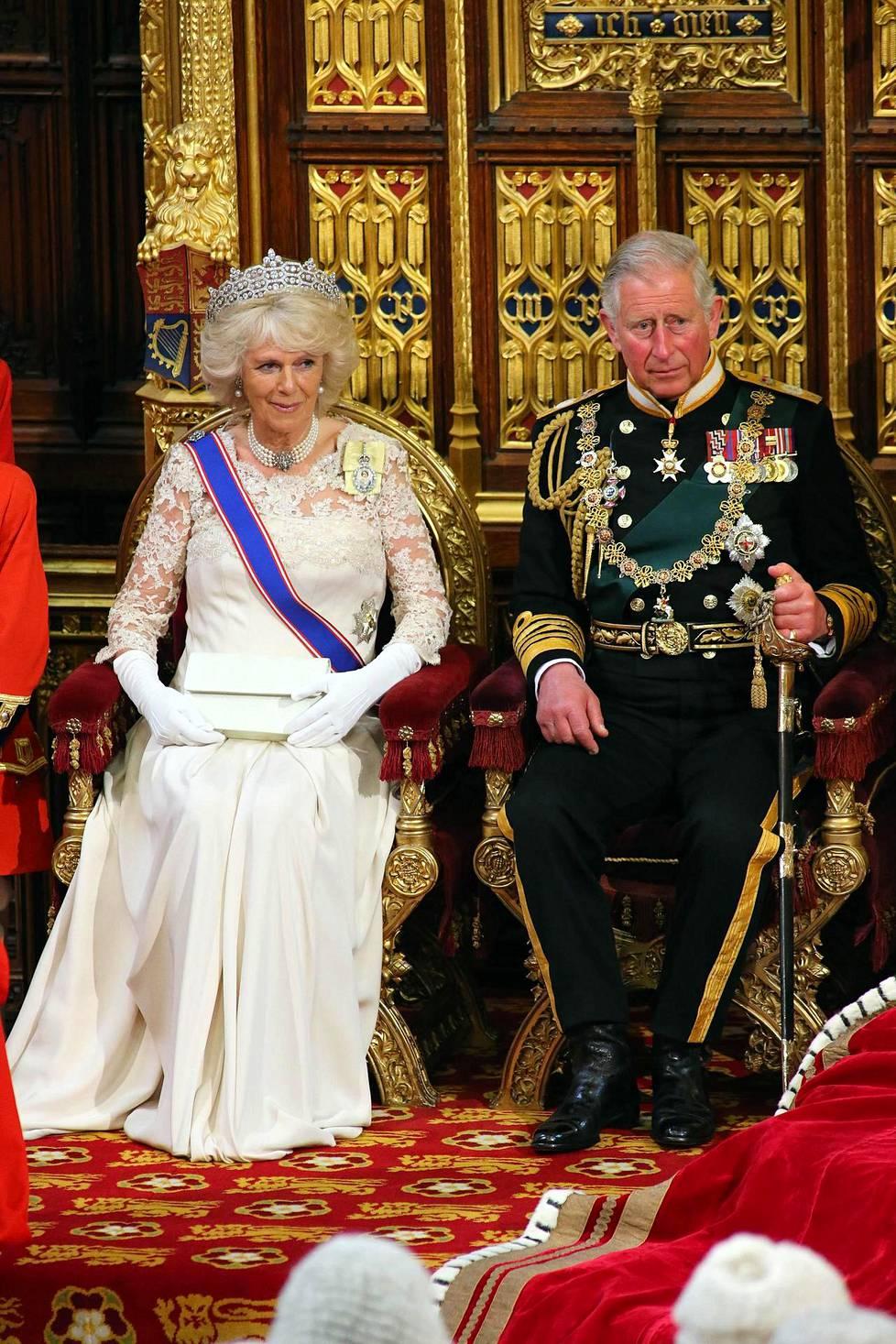 Seuraava kuningaspari. Charles on odottanut valtaannousua pidempään kuin yksikään toinen Britannian kruununperijä.