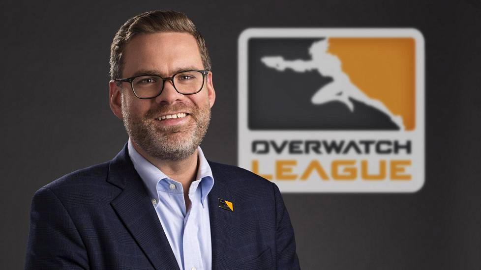 Nate Nanzer on Overwatch Leaguen komissaari.