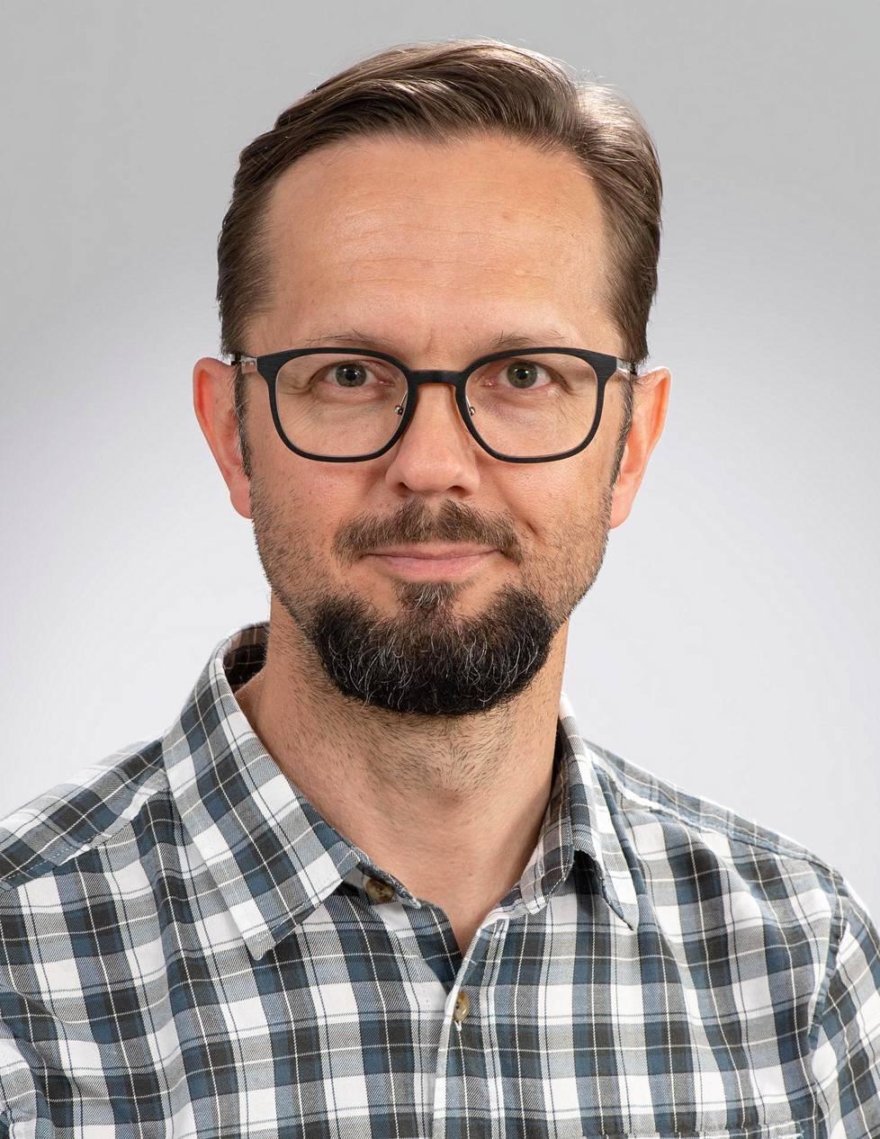Professori Matti Reinikainen johtaa kansallista tehohoidon COVID-19-koordinaatioryhmää.