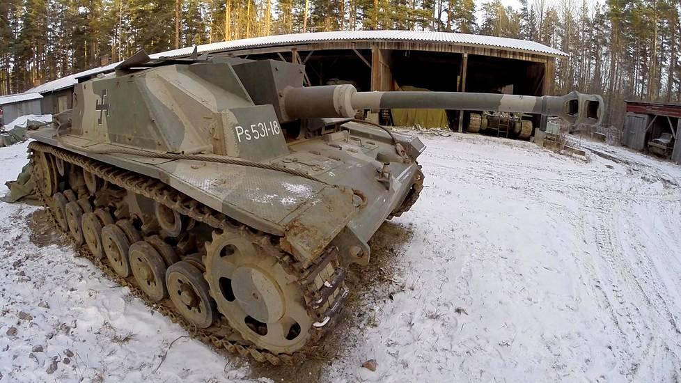 Sturmi Panssarimuseon varikolla.