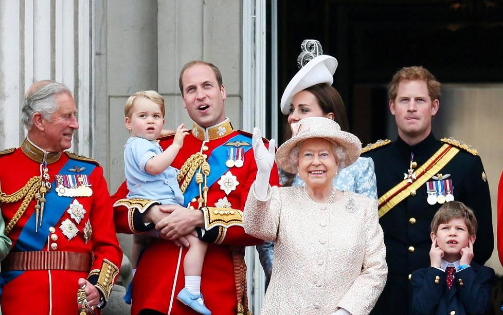 Prinssi William on toivonut, että Charles hiljentäisi tahtia 70 vuotta täytettyään ja viettäisi enemmän aikaa lastenlastensa kanssa.