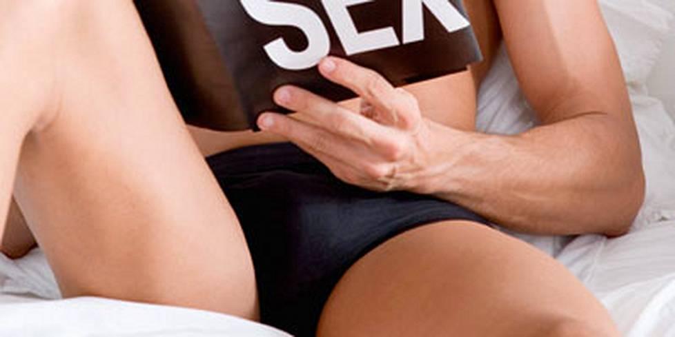 naisten yöllisen orgasmin Nukkuva suihin videot