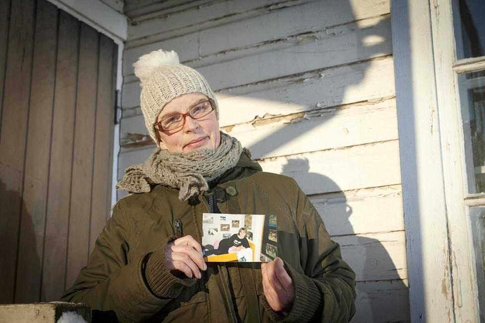 Kristiina Liinaharja oli abiturientti, kun hänen siskonsa Sari katosi helmikuussa 1987. Sari löytyi kuolleena puoli vuotta myöhemmin.