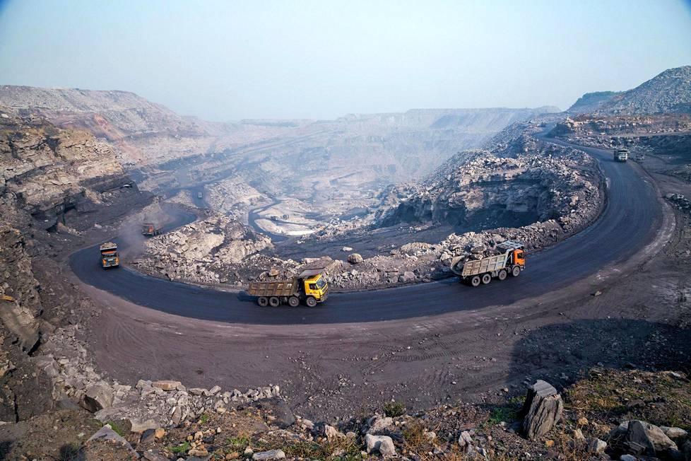 Jharian tuotannon päälähde on nykyisin valtava avolouhos, jossa vanhat tunnelit on kaivettu esiin.