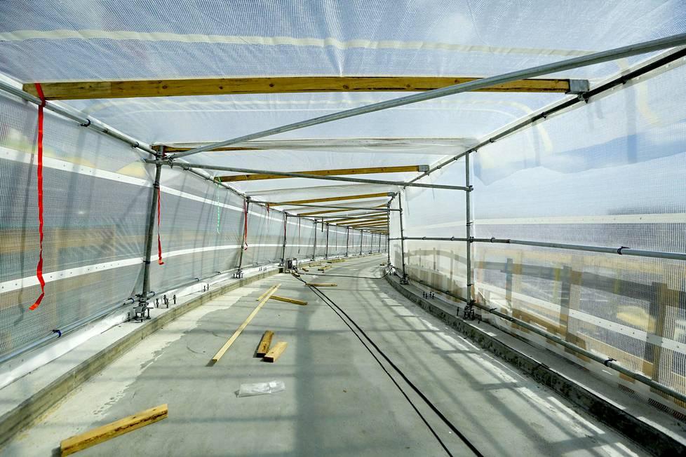 Tähän tulevaa siltaa pitkin pyöräilijät ja kävelijät pääsevät Kalasataman ytimeen vuonna 2023.