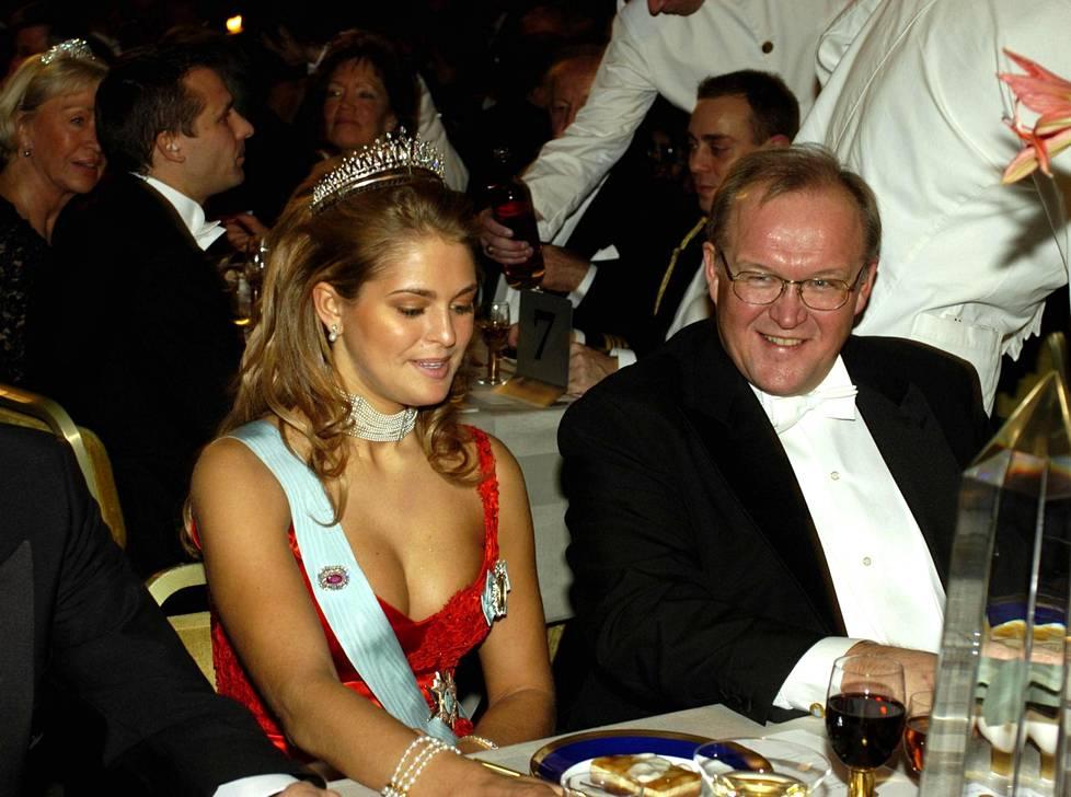 Nobel-gaalan juhlahumusta muistettiin vuonna 2002 erityisesti prinsessa Madeleinen kaula-aukko.