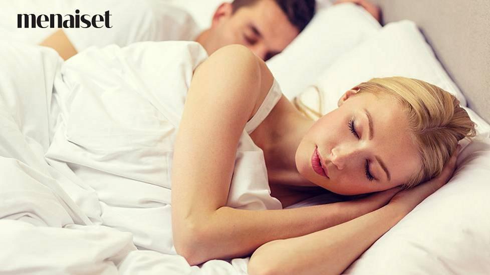 Nukkuva Teini Seksi
