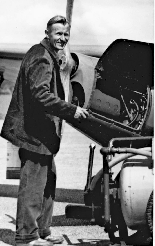 Keijo Kääriäinen aloitti ilmakuvaukset vuonna 1956 ja jatkoi sitä yli 40 vuotta. Hän ehti ottaa yli 800 000 ilmavalokuvaa.