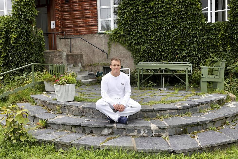 Petri Engblomin tärkein asia jokaisessa päivässä on, ettei hän ota enää päihteitä. Hän on kiitollinen nykyisestä elämäntilanteestaan 20 vuoden kovien aineiden käytön jälkeen.