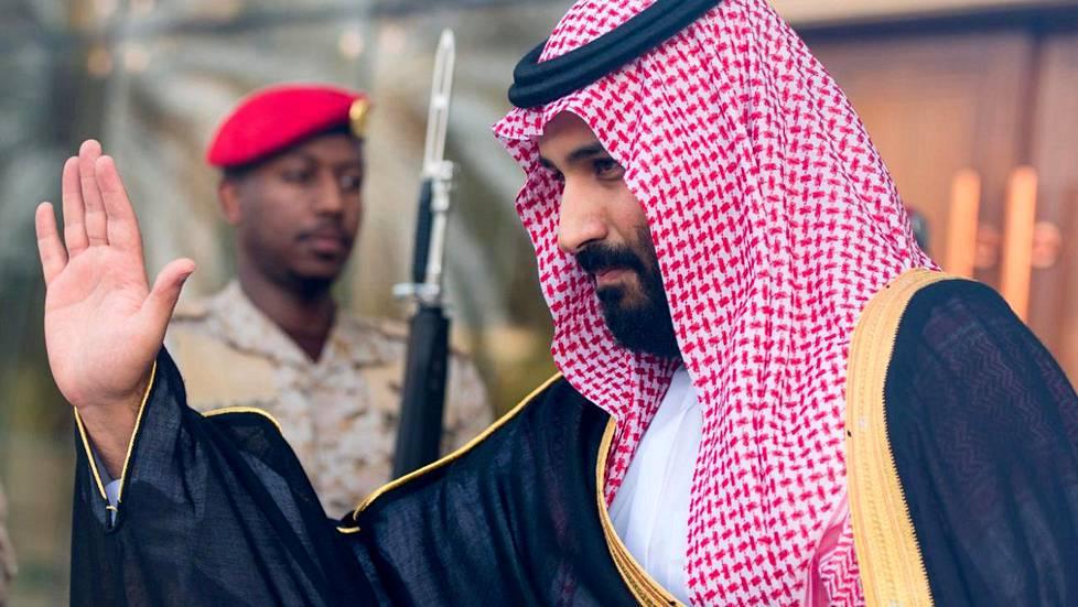 Kruununprinssi Mohammed bin Salman kuvattiin syyskuussa, kun hän toivotti Britannian tuolloisen puolustusministerin Michael Fallonin tervetulleeksi Saudi-Arabiaan.