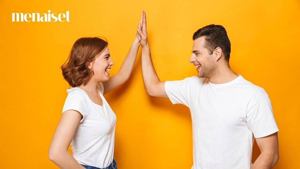 Dating sivustoja College tutkinnon
