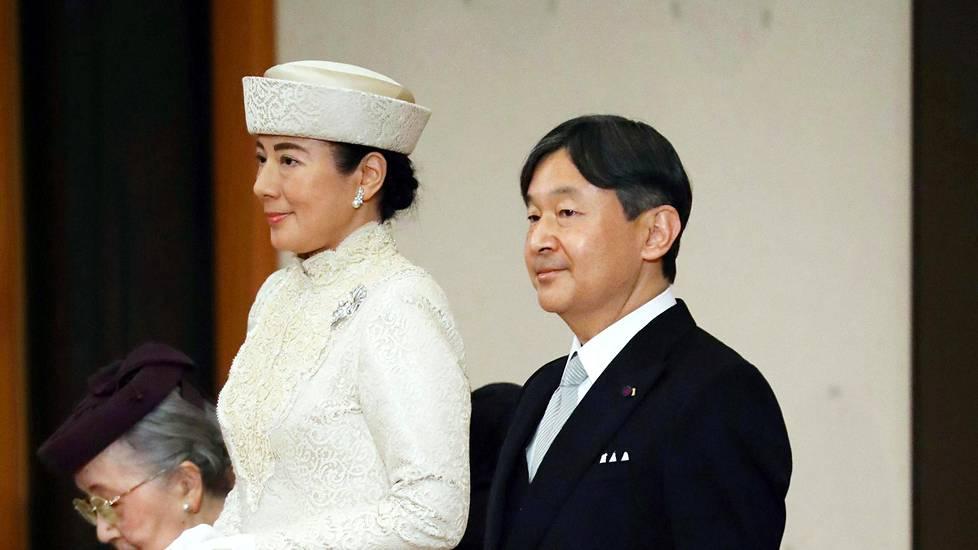 Japanilaiset naiset etsivät seksiä