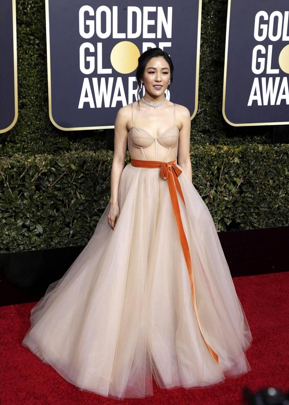 Constance Wu oli ehdolla parhaaksi näyttelijäksi musikaalissa roolistaan elokuvassa Crazy Rich Asians. Voiton vei kuitenkin Olivia Colman.