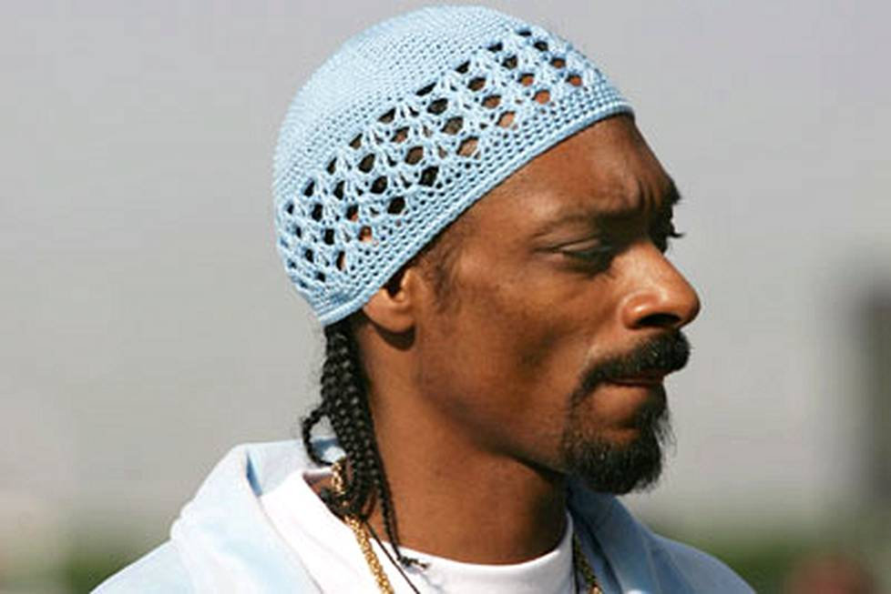 Snoop Dogg on nuuhkinut laitonta kamaa.
