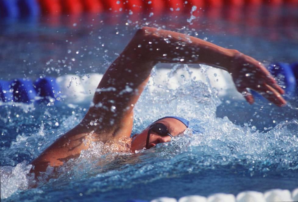 Jani Sievinen ui urallaan kilometreissä maailman ympäri. Se jätti jälkensä kroppaan.