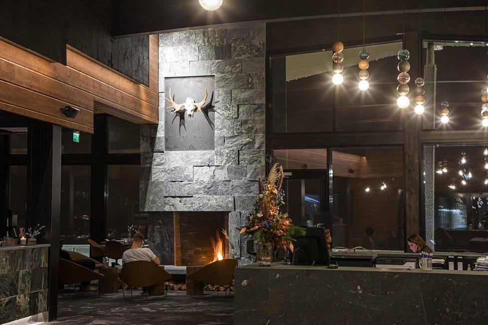 Uudelleen rakennetun hotellin arkkitehtuurista vastaa arkkitehti Asko Lax.