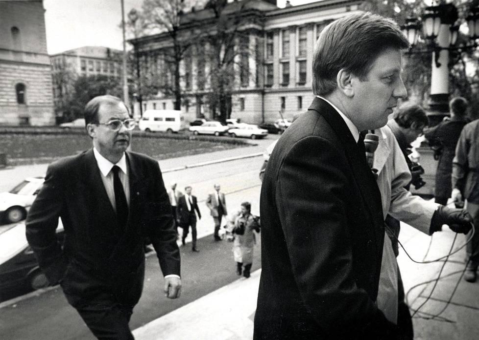 Iiro Viinanen ja Aho tupo-neuvotteluissa 1991.