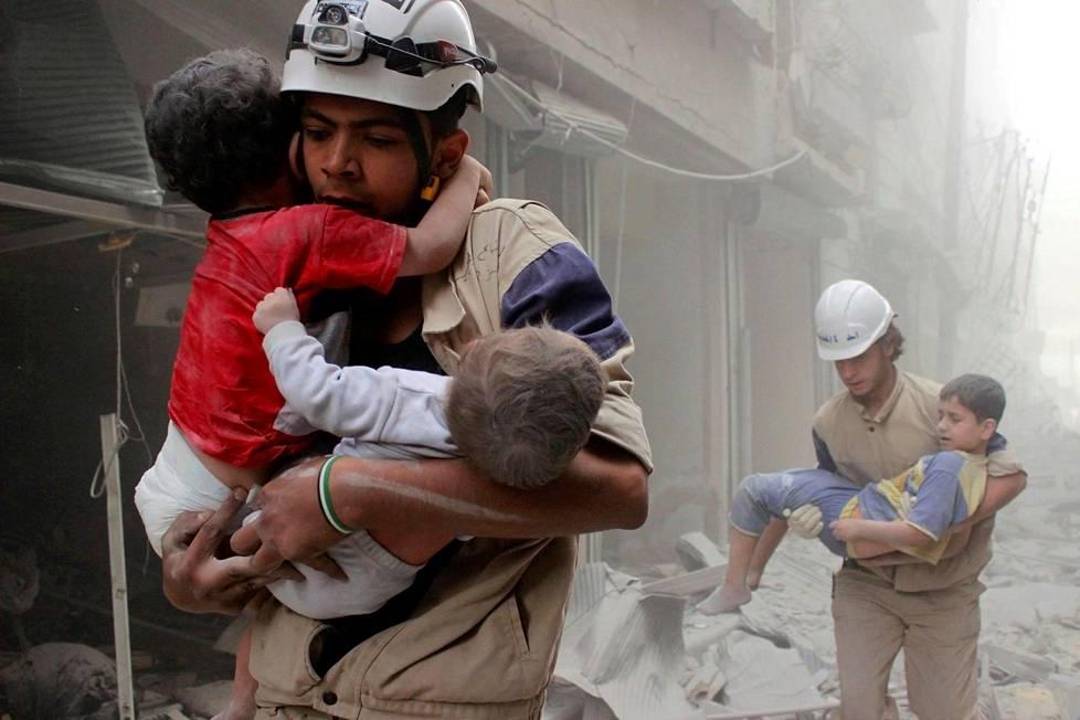 Lähes kuusi miljoonaa lasta on avun tarpeessa Syyriassa, Unicef arvioi.