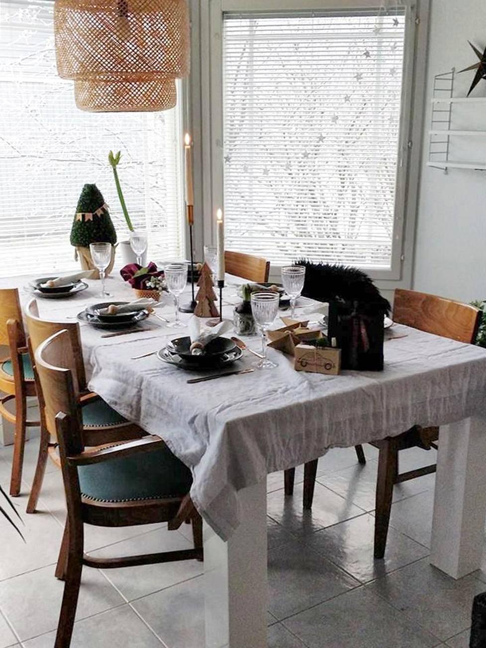 –Joulu on minulle perheen yhteinen juhla, rauhoittumisen ja yhdessäolon aikaa. Lasten riemua on ihana katsella ja heitä on ihana ilahduttaa.