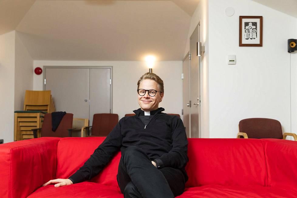 Oskari Juurikkala on Opus Dein ainoa suomalainen pappi.