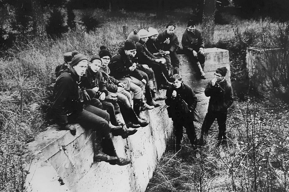 Norssin luontokerhon Luonto-Seuran oppilaat löysivät lentokentän linturetkikohteeksi heti 1960-luvun alussa.