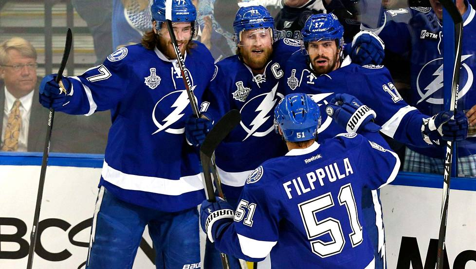 Tampa Bay Lightning voitti Chicago Blackhawksin.