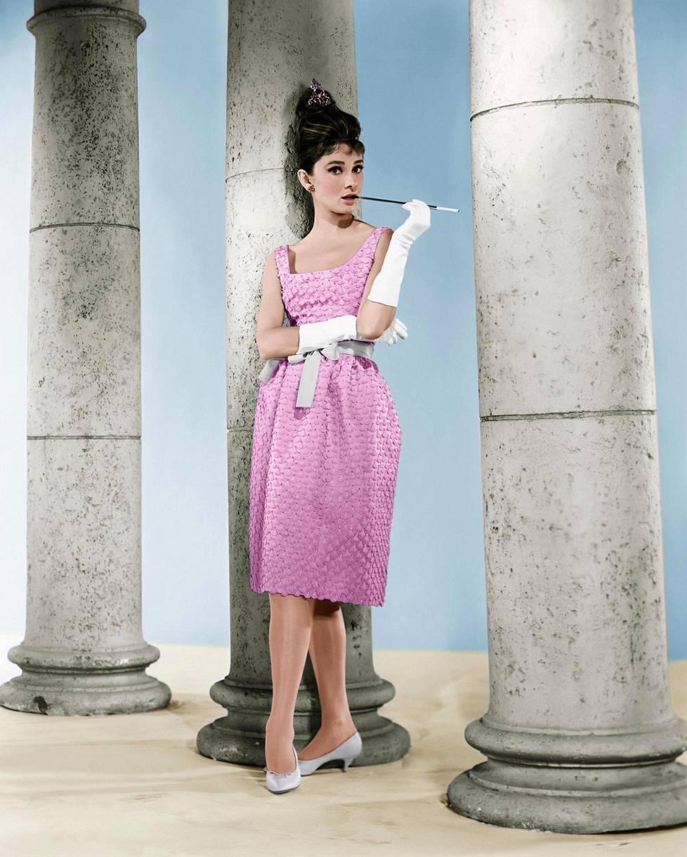 Aamiainen Tiffanylla julkaistiin uvonna 1961.