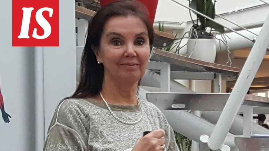 Natasha Kiva lesbo seksiä
