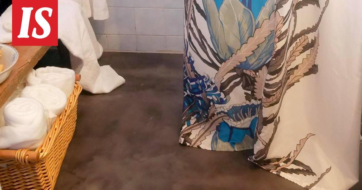 Äiti poika suku puoli kylpy huone
