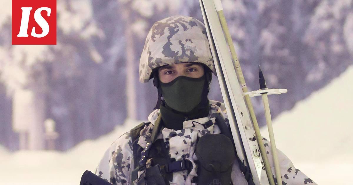 Tältä näyttää suomalaisen varusmiehen koko taisteluvarustus talvella -  Kotimaa - Ilta-Sanomat 6031b3bf3f